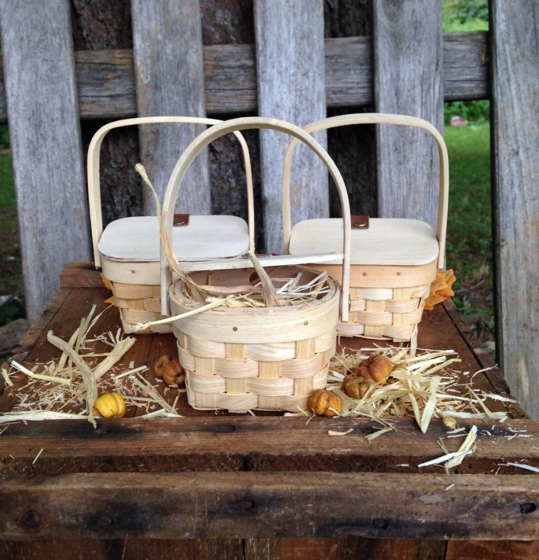 Picnic Basket Gift Diy : Country party favors basket mini picnic baskets hay decor