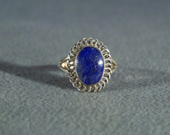 Vintage Sterling Silver  Large Oval Lapis Fancy Scrolled Band Ring, Size 8    W