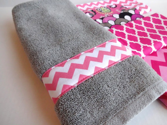 Pink and grey towels hand towels towel sets bath by augustave for Pink and grey bathroom sets