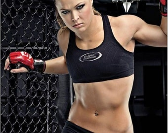 Ronda rousey wardrobe malfunction gif picture