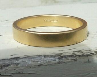 18ct yellow gold wedding band, 18k gold band