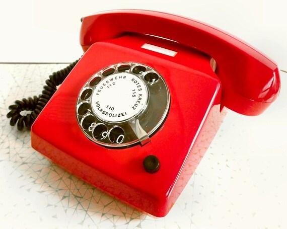 Teléfono Vintage Rojo Alpha Alemania del Este. A estrenar.