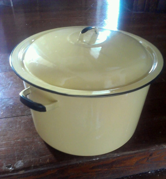 Vintage Lemon Yellow Enamel Stock Pot Soup Pot By Theslingshot
