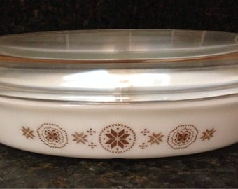 Vintage Town and Country Pyrex White with Brown Dutch Hex Pattern Split Baking Dish Dish WITH Lid
