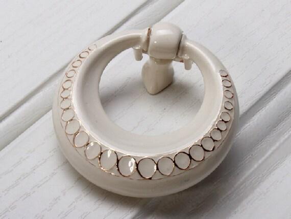 white dresser drawer knobs pulls handles drop ring drawer pull. Black Bedroom Furniture Sets. Home Design Ideas