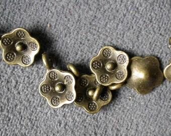 38pcs 10mm Antique bronze flower beads Charm Drop Pendant  M33