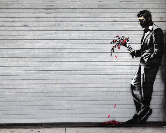 Banksy toile homme attend avec un bouquet de fleurs street art for Bouquet de fleurs homme