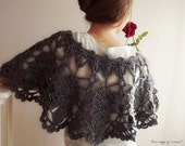 Capelet Crochet Large Leaves Grey - ChronologyOfCrochet