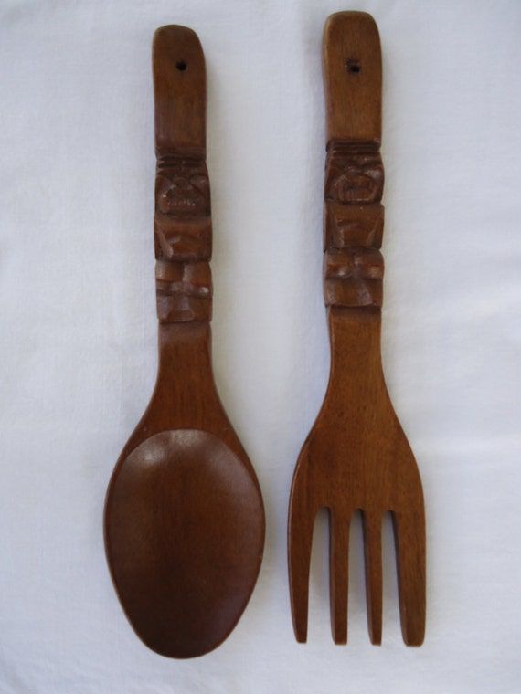 retro wooden tiki carved spoon and fork set. Black Bedroom Furniture Sets. Home Design Ideas