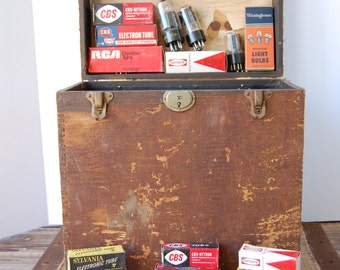 Vintage Radio And TV Tubes And Original Case, Includes 30 Vacuum Tubes Circa 1940's, Vintage Electronics