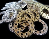 Lot of 10 Steampunk Gear Charms - 2 Colors Silver Antique Bronze - 25MM (Filigree Gears Cogs Sprockets Discs Wheels Mixed Media)