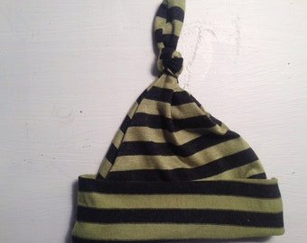 Infant topknot hat. Green and charcoal stripe. 0-3 months.