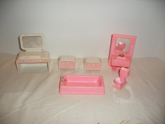 Vintage Plastic Doll House Furniture Tm314 108