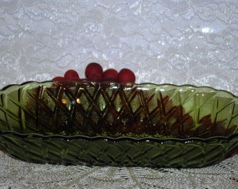 Indiana Glass Pretzel Pattern Avocado Green Glass Scalloped Rim Celery Tray