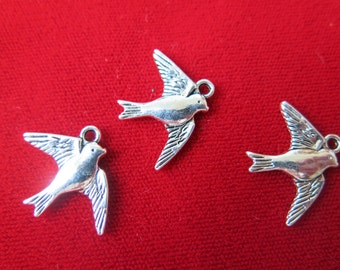 "10pc ""bird"" charms in antique silver style (BC332)"