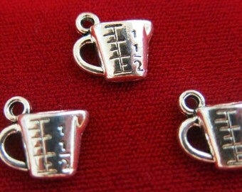 """10pc """"measuring cup"""" charms in antique style silver (BC361)"""
