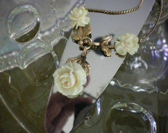 Ivory Roses and Gold Necklace