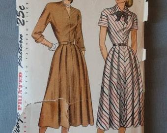 1940s Simplicity Pattern #2360 Center Seamed Dress 32 Bust