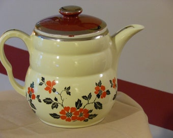 Vintage Hall's Superior Quality Made in the USA Large Tea Pot or Coffee Pot