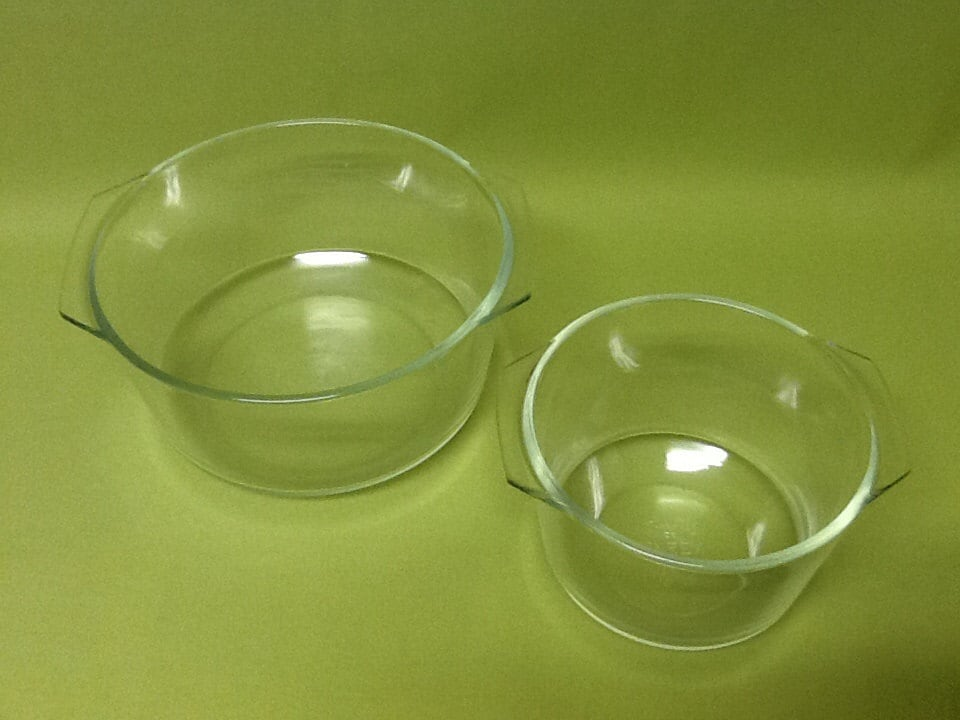 vintage pyrex clear glass mixing bowl set with handles. Black Bedroom Furniture Sets. Home Design Ideas