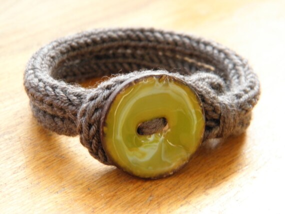 bracelet en laine merino par asunamikazuki sur etsy. Black Bedroom Furniture Sets. Home Design Ideas