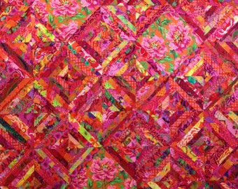 SIZZLING SUMMER Quilt Kit in hot red/pink colors, all fabrics by Kaffe Fassett Collective