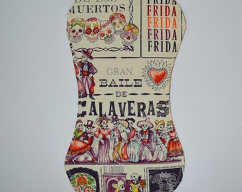 Day of the dead Burp Cloth with sugar skulls and trendy frame print on back