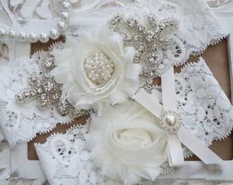 Wedding Garter Set, Bridal Garter Set, Vintage Wedding, Ivory Lace Garter, Crystal Garter Set, Ivory Bridal Garter
