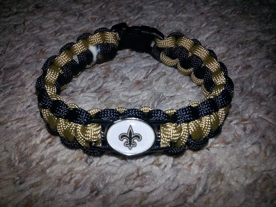 nfl team paracord bracelets with charm by jennsstringtheory