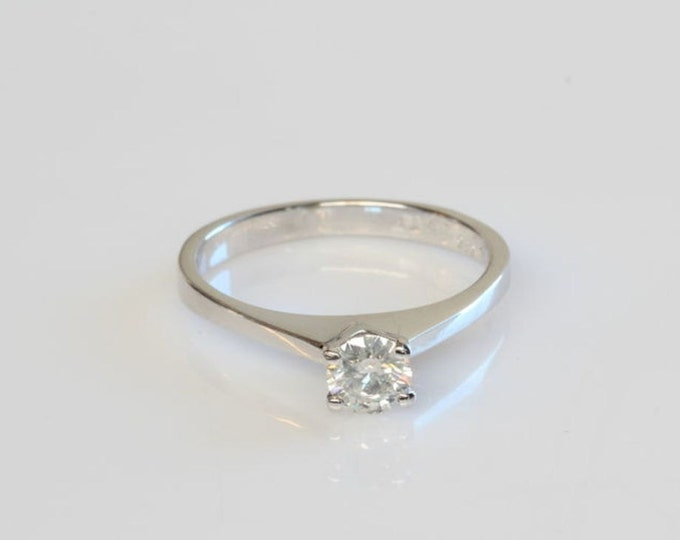 Gold Diamond Ring, Solitaire Ring, 0.20 CT Engagement Ring, 14K White Gold, Ring Size 4