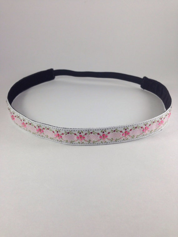 White floral woven non-slip headband for everyday and active wear