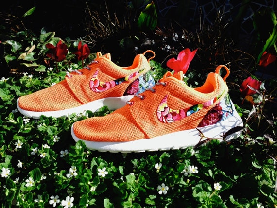 unzrg Nike Roshe Runs with Floral on swooshes and heels by Artsysole45