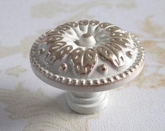 white dresser knob drawer knobs pulls handles metal drawer pull handles gold leaf furniture. Black Bedroom Furniture Sets. Home Design Ideas