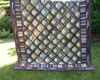 Green and Purple Log Cabin Quilt