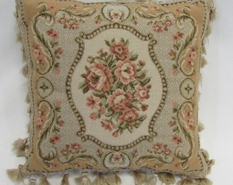 Victorian Shaped Pillows : Beautiful Victorian Vintage Ring Bearer Pillow or Throw