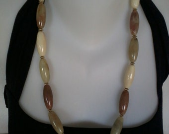 necklace with big synthetic pearls   beige brown