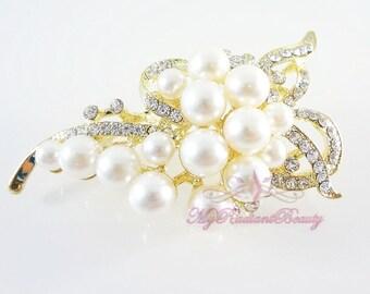 Bridal Brooch, Wedding brooch  Pearl Vintage Brooch with Gold plated and made of Rhinestone, Bridal Brooch  BR0006