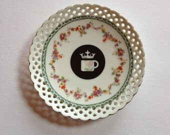 coffee queen - altered vintage plate