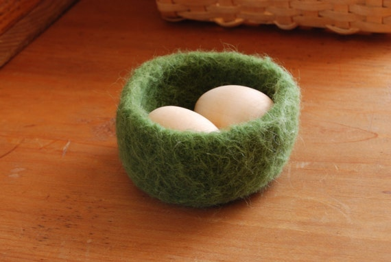 Felted wool bowl or nest, green bowl, Waldorf inspired toy, Easter decoration