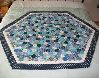 Handmade VINTAGE hand pieced hexagons patchwork quilted cover