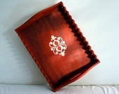 Colonial red tray with medallion