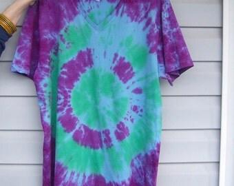 Handmade Tie-Dye t-shirt shirt Size L large Green/Purple