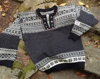 Dale of Norway, Norwegian wool sweater made in Norway-Men's L
