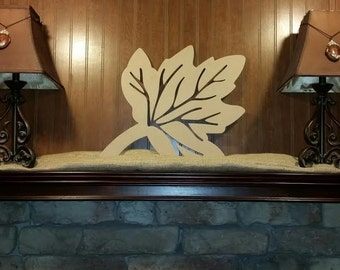 Wooden Detailed Maple Leaf