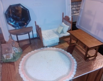 High Quality dollhouse furniture handmade hand dressed ooak 4 post bed room set lot w/ pillows wooden ooak rare gorgeous vintage 1/12 scale