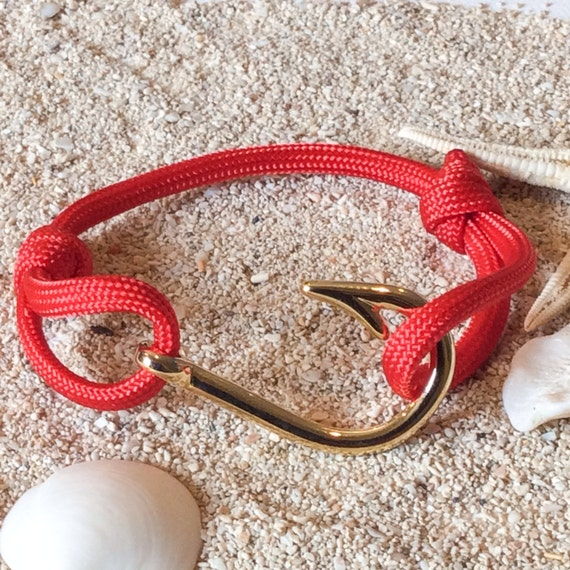 Items similar to red fish hook paracord bracelet on etsy for Fish hook paracord bracelet