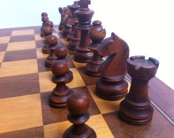 Vintage Staunton Chess Set