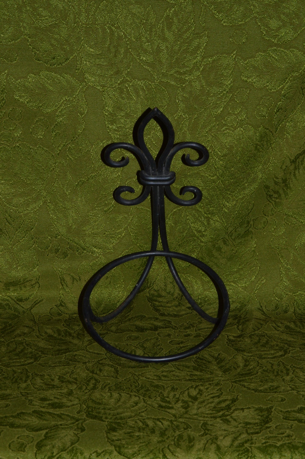 plant holder plant wall hanging plant hanger wrought iron. Black Bedroom Furniture Sets. Home Design Ideas