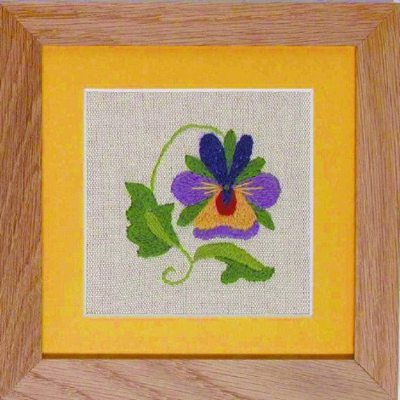 CW 422 Pansy Starter Beginners Crewel Embroidery Kit