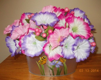 Pink and Purple Flower Arrangement, Easter Decoration, Spring Decoration, Floral Arrangement, Spring Flowers, Easter, Silk Flowers